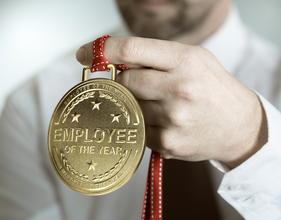 rewarding employees As an employer, you need to find ways to reward your best employees in this  article, we show you effective and cheap methods to reward those working hard.